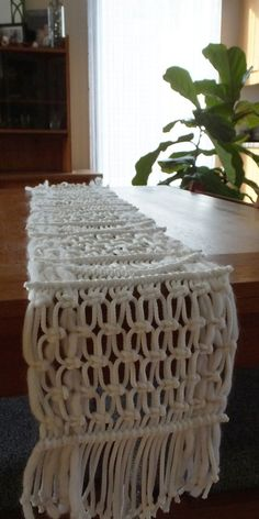 Handwoven macrame table runner ∣ 100% cotton rope ≫ HipsyTableRunner