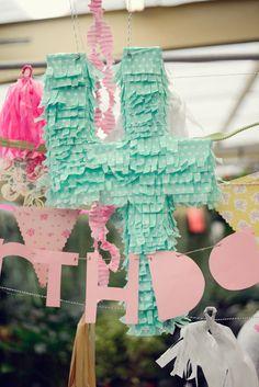 Piñata   Browse Wedding & Party Ideas   100 Layer Cake