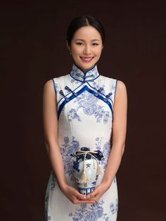 """Qipao is a traditional dress of Chinese women. Qipao was derived from Chinese Manchu's, the East region in China, traditional dress. In English, it is called """"Cheongsam"""". Traditional Fashion, Traditional Dresses, Traditional Chinese, Chinese Style, Oriental Fashion, Asian Fashion, Chinoiserie, Chinese Gown, Vietnamese Traditional Dress"""