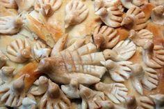 cibo tradizionale macedone, piccioni su panificio Archivio Fotografico - 15149830