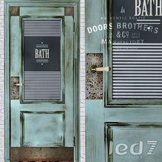 Дверь Doors Brothers #3 из коллекции #Лофт изготовлена из массива дерева.  Окрашена, состарена, имеет винтажную обработку и матовый лак.  Стилизована металлическими накладками с состаренными клепками, обработанными под ржавчину.  Дверь имеет керамическую винтажную ручку с кракелюром.: