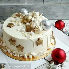 Different Take on Xmas Cake Christmas Cake Designs, Christmas Cake Decorations, Holiday Cakes, Pretty Cakes, Beautiful Cakes, Amazing Cakes, Christmas Chocolate, Christmas Cooking, Elegant Cakes