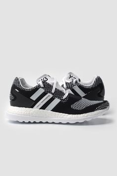 78b14a5953a72 Y-3 Black   White Primeknit Pure Boost ZG Sneakers. Low-top round