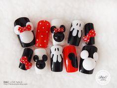 """Special Edition Fake Nail Set- """" Mickey and Minnie """" - Nail Art Design Love Nails, How To Do Nails, Fun Nails, Pretty Nails, Disneyland Nails, Disney Nails, Disney Nail Designs, Cute Nail Designs, Minnie Mouse Nail Art"""