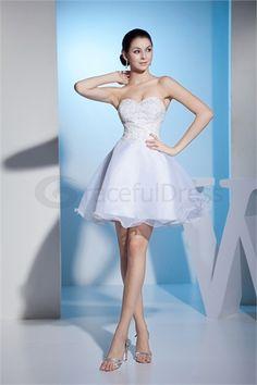 Robe de mariée courte en Satin A-ligne Col en cœur http://fr.GracefulDress.com/Robe-de-mariée-courte-en-Satin-A-ligne-Col-en-cœur-p20557.html …