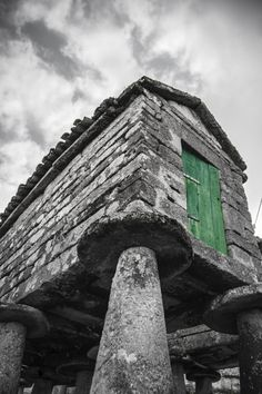 Tradición: Horreo gallego, Muros, Galicia, ES / por Ramón Quintela en 500px