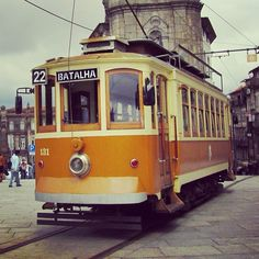 Take the tram and get a magnificent view of Porto www.guidora.com