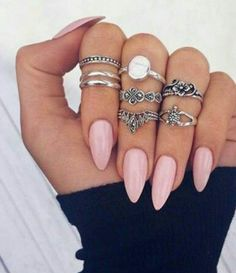 Almond nails + Baby Pink =  Cred - OkChicas