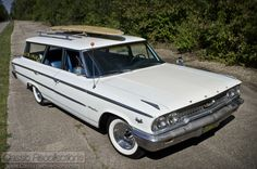 Classic Car News Pics And Videos From Around The World Wagon Trails, Station Wagon Cars, Sports Wagon, Woody Wagon, Old Wagons, Ford Ltd, Ford Classic Cars, Ford Galaxie, Mustang Fastback