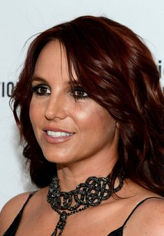quelle couleur de cheveux pour yeux marron : l'auburn de Britney Spears