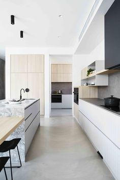 Watch the kitchen reveal for the House To Home Beautiful project Monochrome + marble // modern kitchen // sleek kitchen design Kitchen Design Color, Modern Kitchen Interiors, Contemporary Kitchen, Kitchen Renovation, Sleek Kitchen, Sleek Kitchen Design, Kitchen Interior, Kitchen Style, Modern Kitchen Design