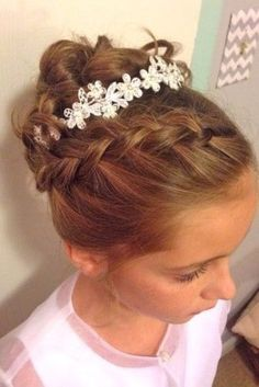 Little girl hairstyles for the wedding hairstyles hairstyle hair models Junior Bridesmaid Hair girl Hair hairstyle Hairstyles Models wedding Kids Updo Hairstyles, Kids Hairstyles For Wedding, Flower Girl Hairstyles, Little Girl Hairstyles, Trendy Hairstyles, Hairstyle Pics, Little Girl Updo, Female Hairstyles, Hairstyle Wedding