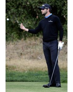Improve That Golf Swing With These Simple Tips. Golf is attractive for a diversity of reasons. It is a relaxing sport that is also challenging and competitive. Get an edge by reading these tips and apply Mens Golf Fashion, Mens Golf Outfit, Golf Attire, Tennis Fashion, Golf Outfits, Golf 7, Play Golf, Golf Costumes, Golf Etiquette