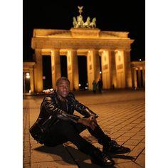 """#BrandenburgGate #Berlin #DopePic #HustleHart #InternationalHustler #ComedicRockstarShit"" Photo taken by @kevinhart4real on Instagram, pinned via the InstaPin iOS App! http://www.instapinapp.com (02/08/2015)"