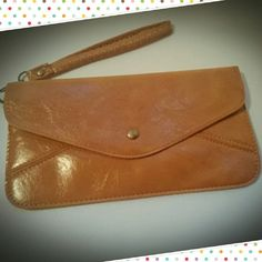 STRAP THIS WRISTLET OR HANDLE IT ,USE AS A CLUTCH WALLET OR USE THE STRAP EITHER WAY THIS WORKS Bags Clutches & Wristlets