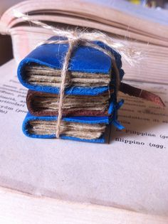 Set of three mini leather journals by anticovalore on Etsy, €12.00