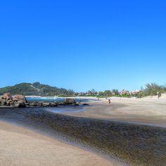 Garopaba  #ferrugem #santacatarina #brasil #brazil #sunny #sun #beach #sunnyday #landscape #summer #picoftheday #pictureoftheday #photoftheday #photo #viajenaviagem #beautifuldestinations #wonderful_places #bestvacations #unlimitedplanet #viajarmelhor #achadosdasemana #fromwhereyoudratherbe #travel #instatravel #trip #vacation by wmi025