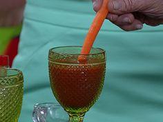 Um suco tonificante, saudável e cheio de vitaminas. Experimente!