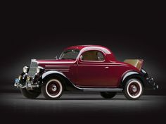 1935 Ford V-8 DeLuxe Three-Window Coupe
