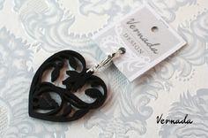 Vernada Design SYDÄN-riipus, musta. Laserleikattua koivua. #Vernada #jewelry #suomestakäsin #finnishdesign Personalized Items, Design, Design Comics