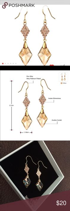 Gorgeous champagne colored dangle earrings So pretty. Jewelry Earrings