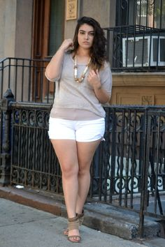 Plus Sized Women Summer Look