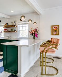 Kitchen Interior Ok y'all. I kinda sorta am in love with the emerald green cabinets with the apricot colored barstools! Home Decor Kitchen, Interior Design Kitchen, Home Kitchens, Kitchen Ideas, Kitchen Art, Kitchen Sink, Bar Stools Kitchen, Kitchen Soffit, 70s Kitchen