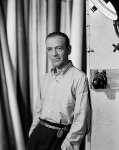 Fred Astaire - one of GQ's 50 most stylish men of the past half century. Fred Astaire, Hollywood Fashion, Classic Hollywood, Old Hollywood, Hollywood Style, Hollywood Icons, Gq, I Look To You, Fred And Ginger