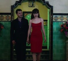 Christian Grey and Ana Steele Anastasia Steele Outfits, Anastasia Steele Style, Ana Steele, Dakota Johnson Style, Fifty Shades Of Grey, Elegant Outfit, Classy Outfits, Clothes, Dresses