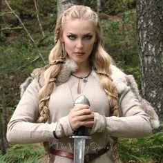 Viking girl  thevikingqueen - Sól Spydsdóttir