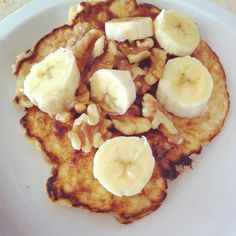 Coconut Pancakes    Ashley Horner- fitness model/figure competitor    Liked · 14 minutes ago    Coconut Pancakes... my breakfast and so easy.    2 TBSP Coconut Flour  4 egg whites  1 TBSP Coconut extract  Splenda (optional) - [I would use raw stevia]    Honey  Raw Walnuts  and 1/4 Sliced Banana on Top