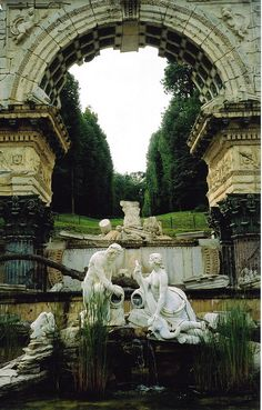 The Roman Ruin at Schloss Schonbrunn, Vienna. I was here for four days, a few weeks ago, and it wasn't enough!