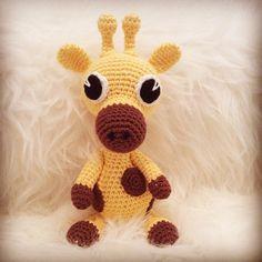 Det är verkligen roligt att virka djur! Jag provade att virka en giraff och jag tyckte den blev så bra så jag gjorde ytterligare en! ... Mobiles, Tweety, Monkey, Baby, Fictional Characters, Inspiration, Amigurumi Patterns, Biblical Inspiration, Jumpsuit
