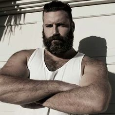 BEARd of the day  www.BEARdOilCo.com #BEARDOilCo #bear #beardsrule #BEARdOil #mensgrooming #musclebear #beards #hairy #beardoftheday