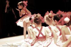 Fotografia di Danza. Monica Palloni [fotografa #littledancers #red #tutù #love #amore #rosso #passion #photo #passione #foto #attimi #momenti #moments #photographer #ballo #ballerine #dance #monicapallonifotografa