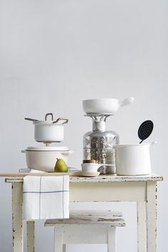All the Scandinavian contraptions, please ~ Femke Pastijn Kitchen Art, Kitchen Interior, Kitchen Dining, Kitchen Decor, Scandinavian Living, Scandinavian Interior, Dining Ware, Kitchen Stories, Kitchen Styling