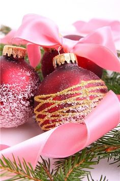 Pink Christmas decorations!