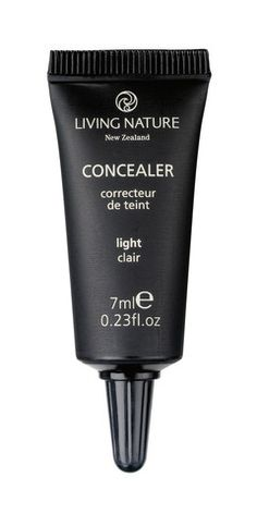 """Living Nature concealer in shade """"light"""""""