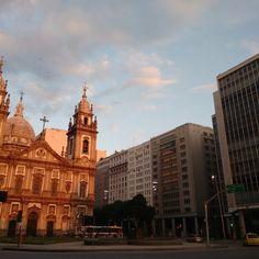 Centro do Rio de Janeiro, com vários resquícios do Antigo Rio e sua arquitetura.  Rio de Janeiro- Brasil  #candelária #igrejadaCandelaria #church #riodejaneiro