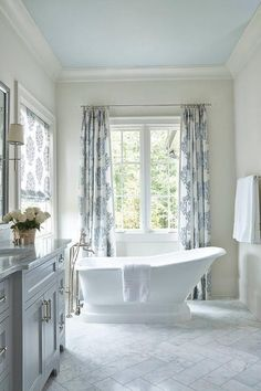 Adding a vintage bathtub gives any bathroom a stylish look. Adding a vintage bathtub gives any bathroom a stylish look. You'll be sure to receive a lot of compliments. Bathrooms Remodel, Coastal Bathrooms, Vintage Bathtub, Nautical Bathroom Design Ideas, Bathroom Design, Bathroom Colors, Modern Bathroom, Blue Ceilings, Bathroom Design Decor