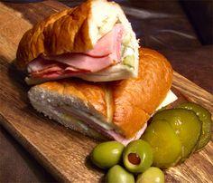 Antone's Deli Poor-Boy Sandwiches – Inside NanaBread's Head Hotdog Sandwich, Best Sandwich, Sandwich Recipes, Sandwich Board, Types Of Sandwiches, Deli Sandwiches, Delicious Sandwiches, Rib Recipes, Copycat Recipes