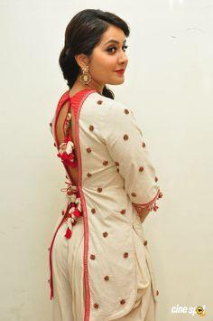 Rashi Khanna at Supreme Audio Launch Pics Indian Actress Hot Pics, Indian Bollywood Actress, Bollywood Girls, Beautiful Bollywood Actress, Bollywood Fashion, Beautiful Actresses, Indian Actresses, Beautiful Girl Indian, Most Beautiful Indian Actress