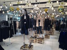 """TOPSHOP,London,UK, """"Keep Calm and find your Light Bulb Moment"""", by TWO Visual,pinned by Ton van der Veer"""