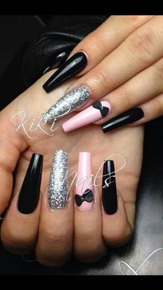 Black little finger - Nail Designs! Sexy Nails, Fancy Nails, Stiletto Nails, Love Nails, Pink Nails, Long Nail Designs, Nail Art Designs, Nails Design, Design Design