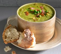 Pea and ham soup. This classic flavour combination is a quick week-night meal, taking only 35 minutes to cook. Quick Vegetable Soup, Soup Recipes, Cooking Recipes, Recipies, Turmeric Soup, Classic French Onion Soup, Beetroot Soup, Butternut Soup, Creamy Mushroom Soup
