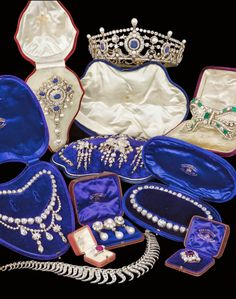 The Royal Order of Sartorial Splendor: Readers' Top 15 Tiaras: The Portland Sapphire Tiara & Other Portland jewels Royal Crown Jewels, Royal Crowns, Royal Tiaras, Royal Jewelry, Tiaras And Crowns, Family Jewels, Circlet, Colored Diamonds, Antique Jewelry