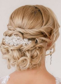 100 sublimes idées de coiffures pour les mariées - Les Éclaireuses