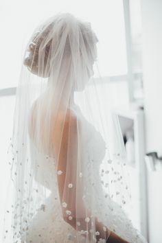 Stylish Modern Country Club Wedding by Boris Zaretsky Photography – KnotsVilla
