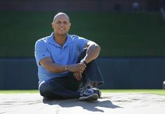 Guzman pitches for Alzheimer's awareness