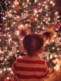 Oh the magic of Christmas....and those piggytails <3